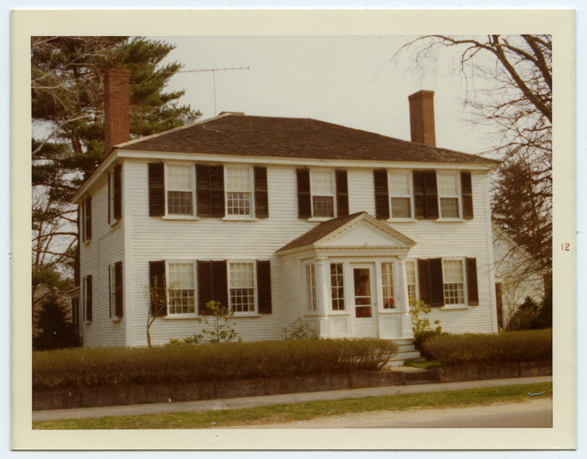 Exterior of house at 215 Main Street, Kingston, MA